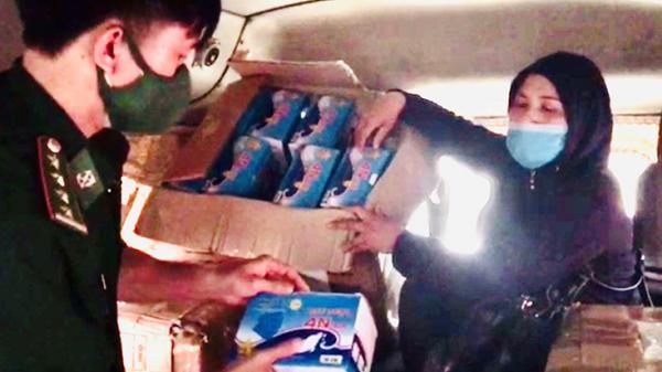 Quảng Bình: B.ắt giữ vụ vận chuyển 21.700 khẩu trang y tế xuất lậu qua biên giới