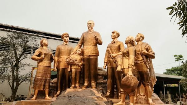 Nghiệm thu công tác sửa nguội và chọn màu nhóm tượng đài Chủ tịch Hồ Chí Minh với nhân dân Quảng Bình - Báo Quảng Bình điện tử