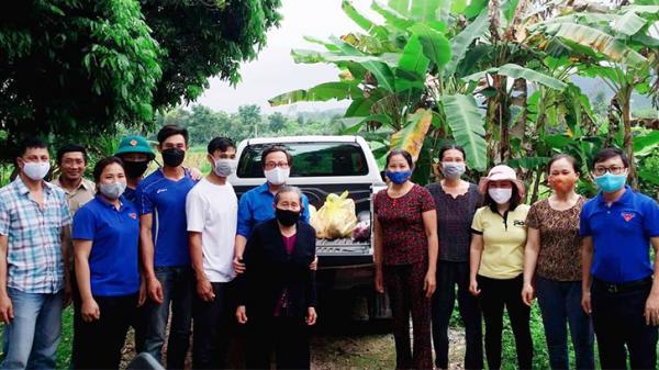 Cụ bà 87 tuổi ở Quảng Bình kêu gọi con cháu ủng hộ 100 kg thịt gà cho trung tâm cách ly