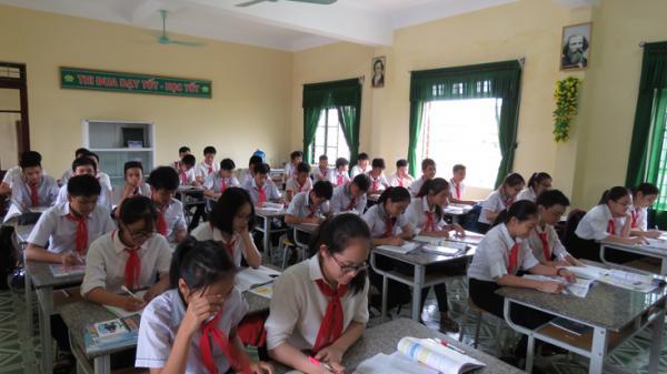 Ngày 4-5, học sinh Quảng Bình trở lại trường học