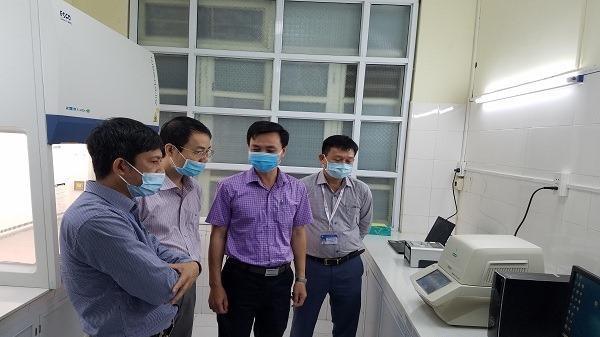 Quảng Bình, Quảng Trị mua máy xét nghiệm Covid-19 giá rẻ bất ngờ