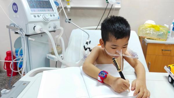 Nghẹn lòng bức thư của cậu bé lớp 2 ở Quảng Bình