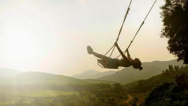 Bay giữa đại ngàn cùng Bồng Lai Swings