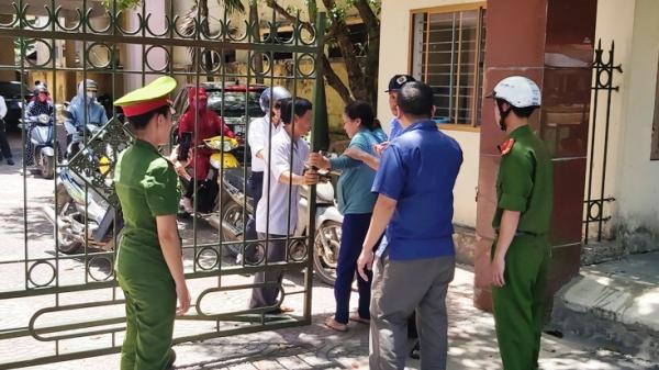 Quảng Bình: Bị sa thải vì nhiều lần vi phạm, một phụ nữ đến trụ sở công ty la ó