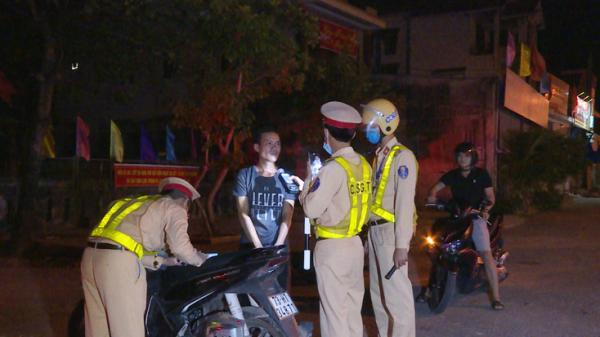 Lệ Thủy: Xử phạt 406 trường hợp vi phạm trật tự an toàn giao thông