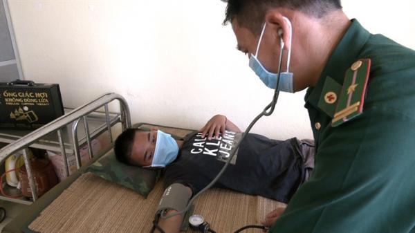 Cứu sống một ngư dân tỉnh Quảng Bình bị trôi dạt trên biển