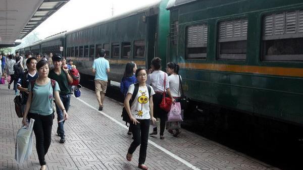 Tổ chức chạy lại hàng ngày tàu du lịch Quảng Bình từ tháng 7