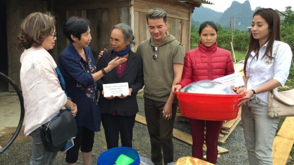 Đàm Vĩnh Hưng tranh thủ về Quảng Bình làm từ thiện trước ngày đi lưu diễn nước ngoài