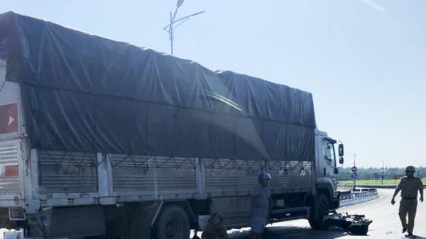 Quảng Bình: Va chạm với ôtô tải, tài xế xe máy t.ử v.ong