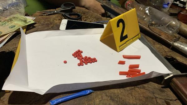 Tuyên Hóa: Bắt 3 đối tượng mua bán, tàng trữ trái phép chất ma túy