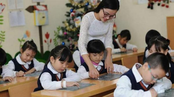 Kể từ ngày 01/9/2020, giáo viên trong các cơ sở giáo dục được nghỉ hè tối đa 08 tuần