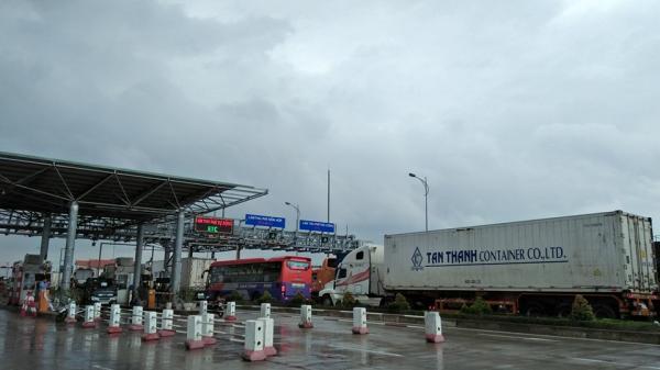 Quảng Bình: Người dân vây trạm BOT Tasco phản đối việc thu phí