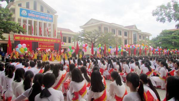 Công nhận 06 trường trung học trên địa bàn đạt chuẩn Quốc gia