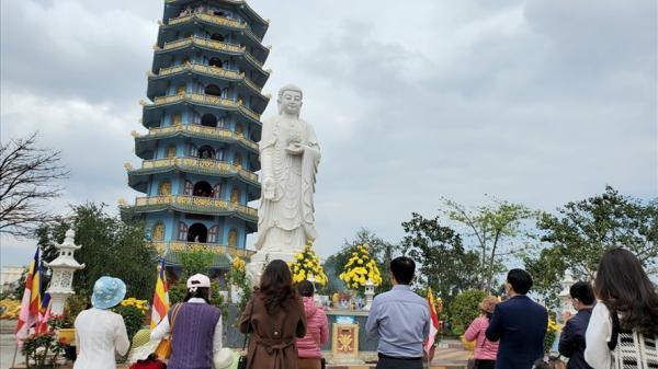 Đến chùa ở Quảng Bình nguyện cầu dịch bệnh COVID-19 sớm qua