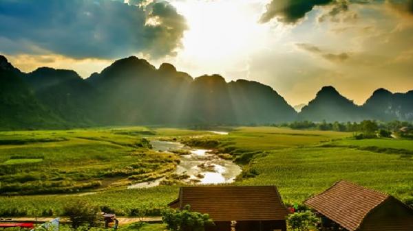 Victor Vũ quay 'Người bất tử' tại hang động tuyệt đẹp ở Quảng Bình