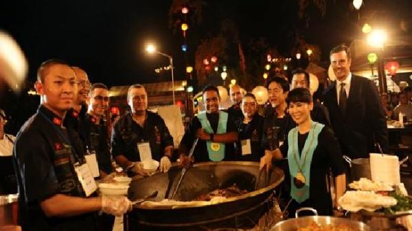 Đầu bếp quốc tế đua tài 'Thách thức cao lầu' Hội An