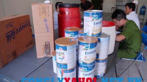 Gian thương nhẫn tâm trộn bột gạo xay với hóa chất, phẩm màu thành sữa bột cao cấp