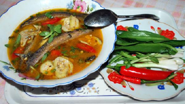 Cá nhét um chuối chát