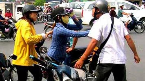 Thăng Bình (Quảng Nam): Cướp điện thoại và xe máy của người đi đường sau khi va chạm giao thông
