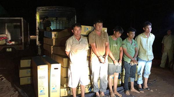 """Thủ đoạn """"rút ruột"""" của đối tượng quê Quảng Ngãi cùng đồng bọn chuyên trộm hàng trong container"""