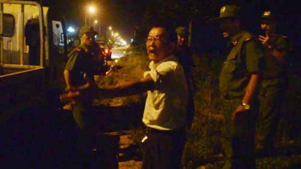 TP Quảng Ngãi: Vi phạm nồng độ cồn, tài xế giật gậy, lăng mạ tổ CSGT làm nhiệm vụ