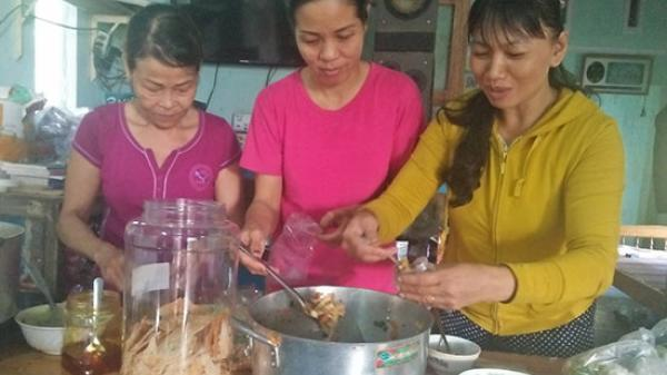 Duy Xuyên (Quảng Nam): Ấm lòng quán mỳ chay 2.000 đồng của hai mẹ con nghèo