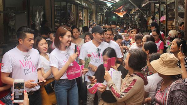 Khán giả Đà Nẵng, Miền Trung - Tây Nguyên phấn khích khi gặp dàn diễn viên 'Gạo nếp gạo tẻ' ngoài đời