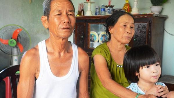 Cảm động: Bố chồng rơi nước mắt làm chủ hôn cho con dâu