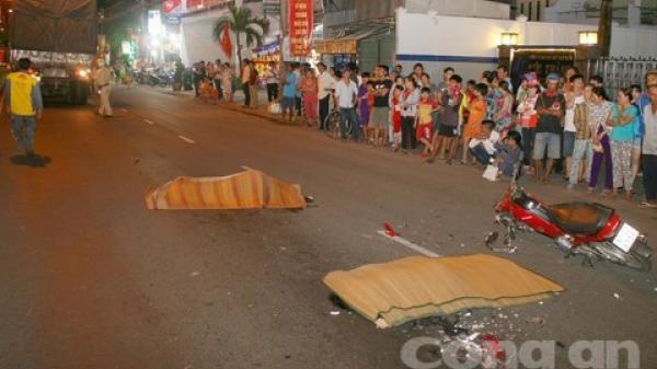 Tai nạn kinh hoàng: Xe tải tông xe máy chạy cùng chiều, 2 người tử vong