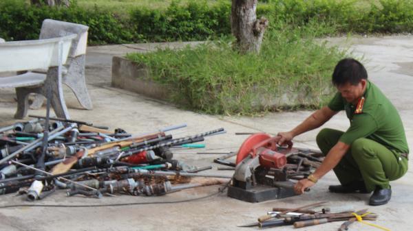 Gia Lai: Tiêu hủy vũ khí, vậy liệu nổ và công cụ hỗ trợ