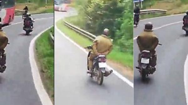 Tây Nguyên: Đùa với tử thần, người dàn ông chạy xe máy thả 2 tay khi đổ đèo