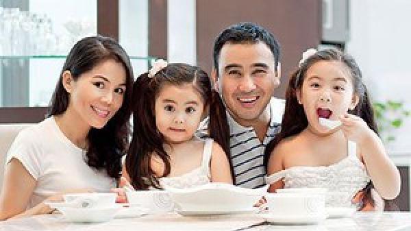 Chân dung người vợ giỏi giang làm thay đổi cuộc đời MC Quyền Linh