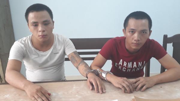 """Đà Nẵng: Mượn xe máy của mẹ đi cướp điện thoại, 2 thanh niên bị bắt chỉ sau 5 phút """"hành sự"""""""