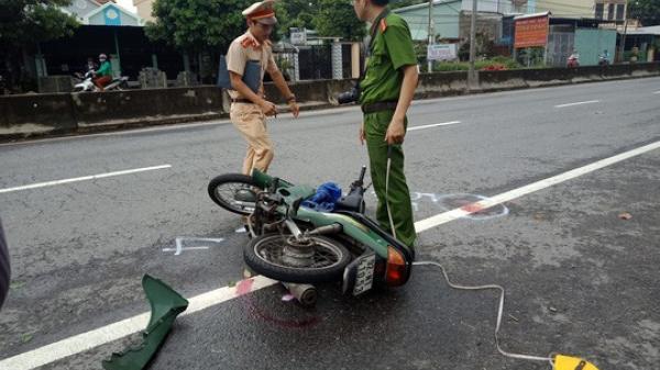 Quảng Nam: Bồng cháu qua đường gửi trẻ bị xe máy tông khiến 2 bà cháu nguy kịch