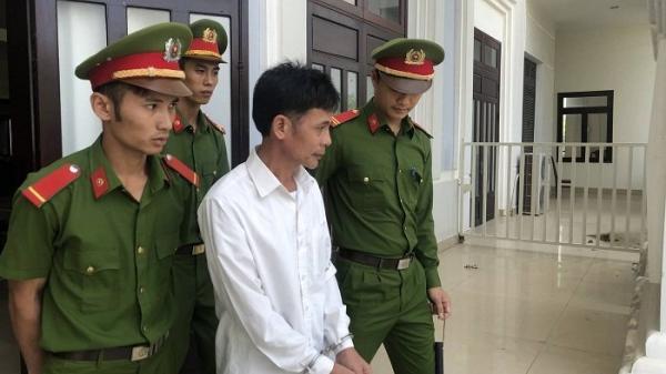 Đà Nẵng: Bi kịch gia đình, bị con tát dập môi, cha đâm 2 con gái trọng thương
