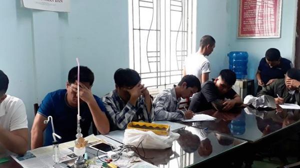 Gia Lai: Thanh niên rủ bạn bè thuê nhà nghỉ 'đập đá' vì... giận gia đình
