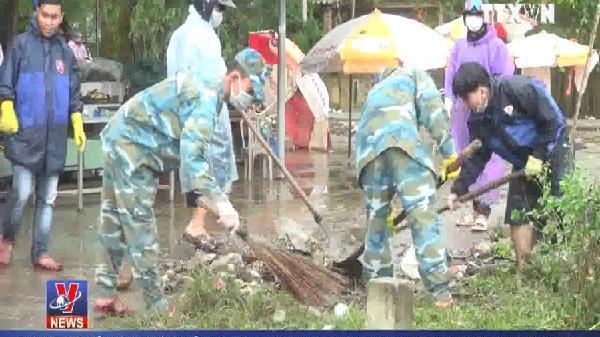 Quảng Nam ra quân xử lý môi trường sau mưa lụt