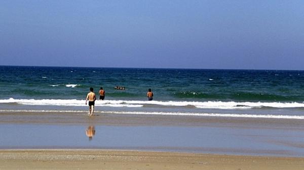 Bình Định: Đã xác định được danh tính thi thể người đàn ông bị sóng biển cuốn trôi vào bờ biển Phù Cát