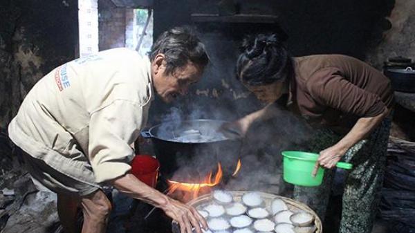 Duy Xuyên (Quảng Nam): Cặp vợ chồng đã 35 năm gắn bó nghề làm bánh bèo