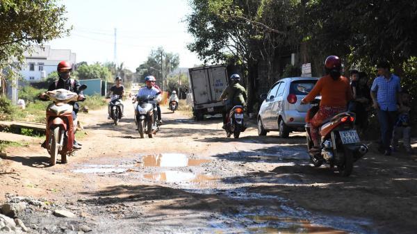Gia Lai: Cảnh báo tai nạn ở TP. Pleiku vì đường xuống cấp