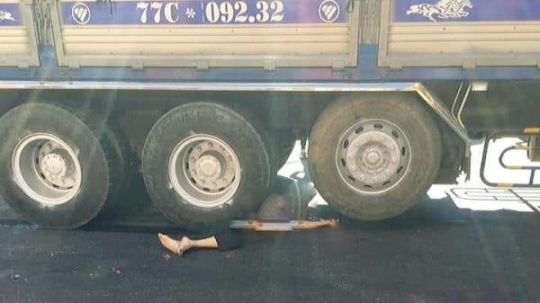Gia Lai: Bị xe tải cuốn vào gầm, 2 người thương v ong