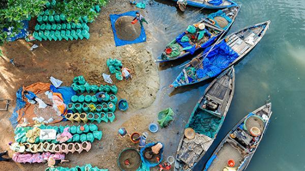Góc Quảng Nam: Thuyền hến về trên bến