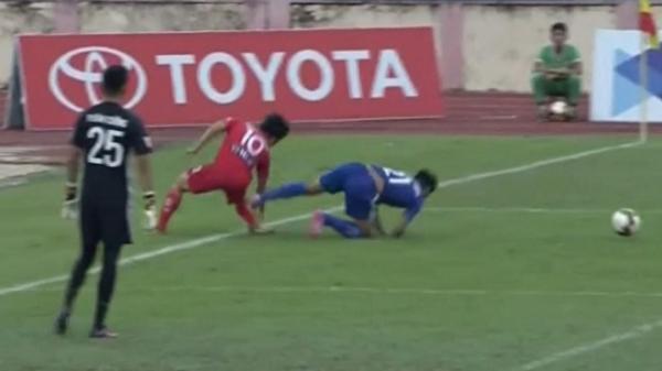 CẬN CẢNH: chấn thương đầu tiên của Công Phượng tại trận đấu với Quảng Nam FC thuộc vòng 22 V-League 2017