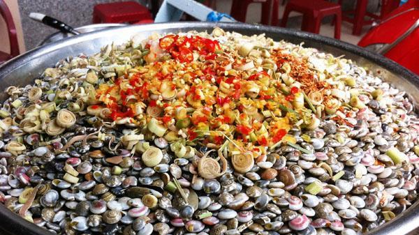 Ăn hoài, ăn mãi, ăn miết, mà không chán món ốc Lể nơi xứ Quảng