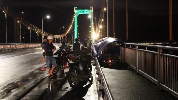 Thất tình, 3 thanh niên Quảng Nam rủ nhau nhảy cầu Thuận Phước tự tử, 2 người mất tích