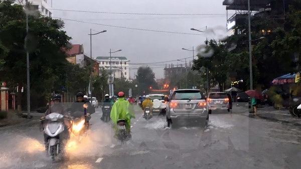 Không khí lạnh tăng cường gây mưa lớn diện rộng ở miền Trung