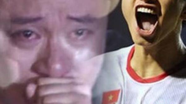 Tuấn Hưng hét lạc giọng khi Facetime với Văn Hậu sau trận thắng lịch sử trước Indonesia