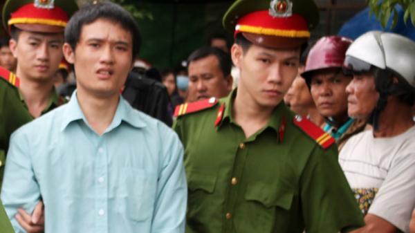Quảng Ngãi: Người chồng đâm vợ 16 nhát vì ghen lĩnh án chung thân