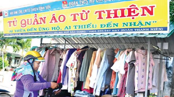 """Châu Ổ - Bình Sơn: Nét đẹp """"Tủ áo từ thiện"""""""