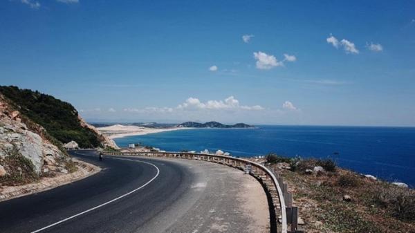 Đường ven biển Nha Trang - Quy Nhơn là một trong 5 con đường đẹp nhất châu Á